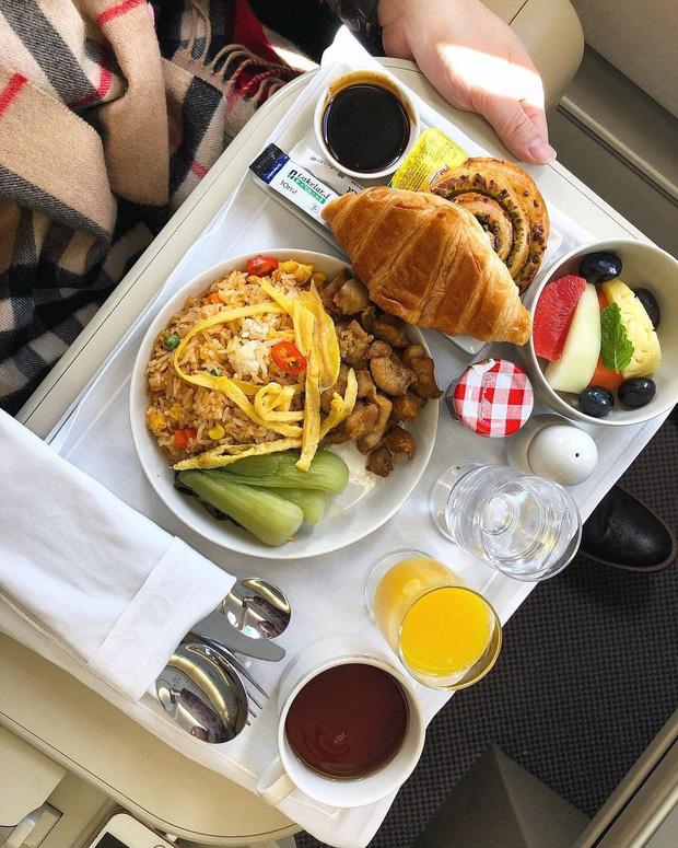 """Những hãng hàng không có suất ăn máy bay còn """"xịn"""" hơn nhà hàng 5 sao, 1 cái tên của Việt Nam cũng góp mặt trong danh sách - Ảnh 11."""