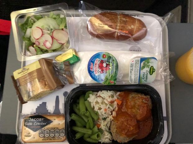 """Những hãng hàng không có suất ăn máy bay còn """"xịn"""" hơn nhà hàng 5 sao, 1 cái tên của Việt Nam cũng góp mặt trong danh sách - Ảnh 16."""