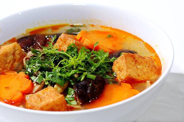 Số phận của những quán ăn Việt sau khi được các Tổng thống Mỹ ghé thăm đều thay đổi đến bất ngờ, nhưng gây tranh cãi nhất là hàng bún chả Obama - Ảnh 21.