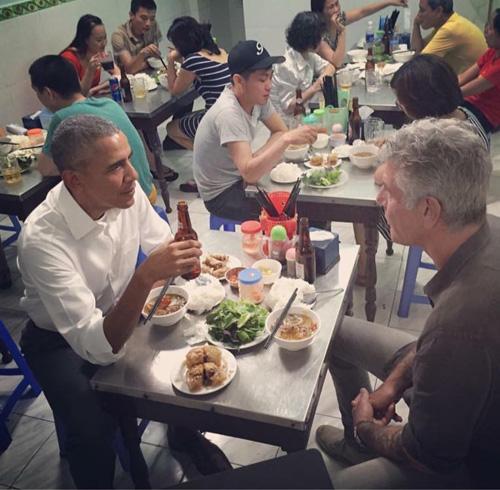 Số phận của những quán ăn Việt sau khi được các Tổng thống Mỹ ghé thăm đều thay đổi đến bất ngờ, nhưng gây tranh cãi nhất là hàng bún chả Obama - Ảnh 25.