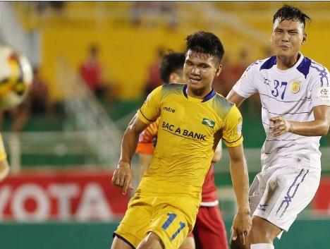 9 tài năng bóng đá Việt chóng nở sớm tàn gây luyến tiếc - Ảnh 5.