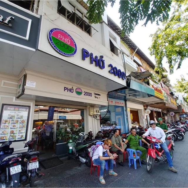Số phận của những quán ăn Việt sau khi được các Tổng thống Mỹ ghé thăm đều thay đổi đến bất ngờ, nhưng gây tranh cãi nhất là hàng bún chả Obama - Ảnh 4.