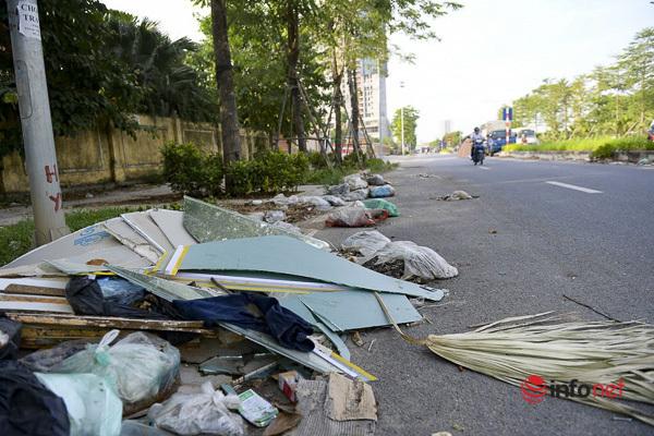 Hà Nội: Đại lộ nghìn tỷ vừa thông xe biến thành các bãi rác rùng mình - Ảnh 6.