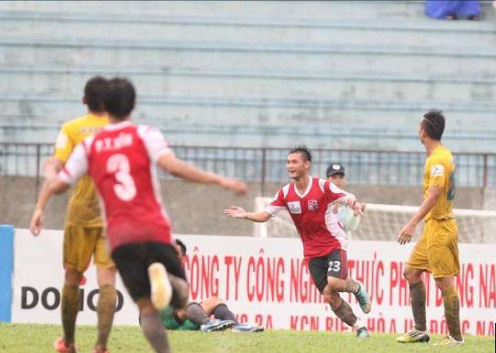 9 tài năng bóng đá Việt chóng nở sớm tàn gây luyến tiếc - Ảnh 6.