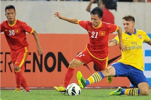 9 tài năng bóng đá Việt chóng nở sớm tàn gây luyến tiếc - Ảnh 8.