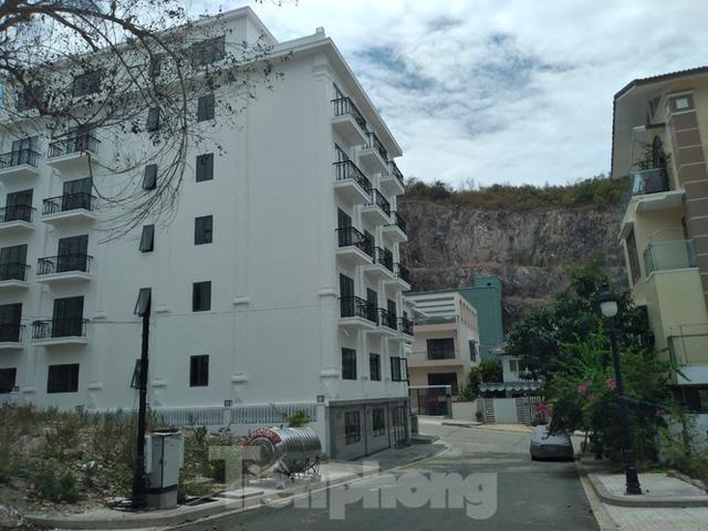 Đến thời hạn, 13 biệt thự vượt tầng dự án Ocean View Nha Trang vẫn chưa bị cưỡng chế - Ảnh 3.