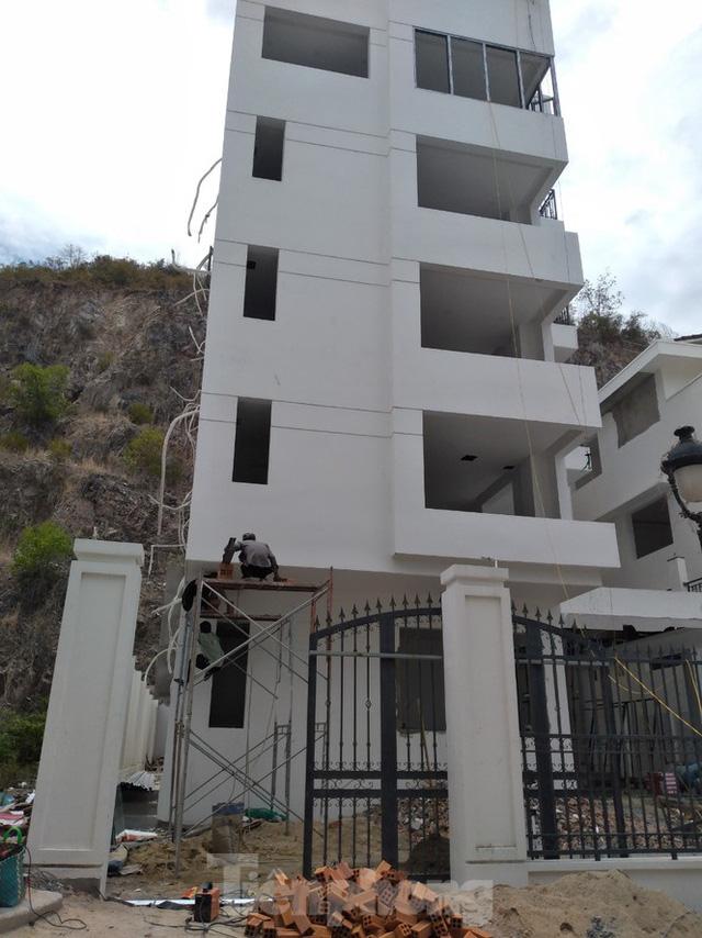 Đến thời hạn, 13 biệt thự vượt tầng dự án Ocean View Nha Trang vẫn chưa bị cưỡng chế - Ảnh 9.
