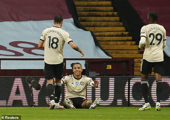 Truyền nhân Van Persie lập siêu phẩm, Man United tiếp đà thăng hoa bằng thắng lợi hủy diệt - Ảnh 3.
