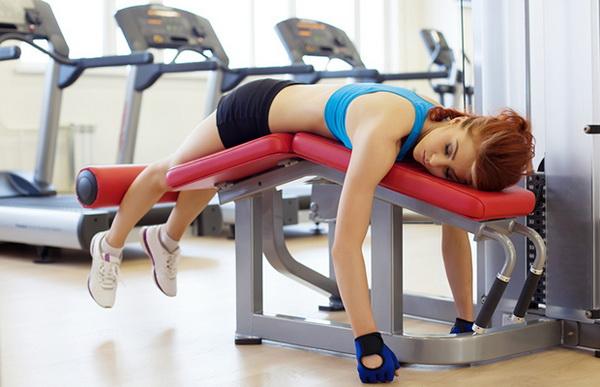 Tập gym mùa nắng nóng: Coi chừng nhập viện - Ảnh 1.