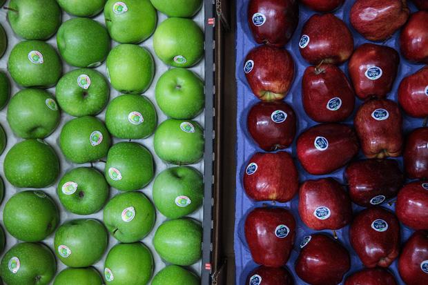Sự thật gây sốc về độ sạch của rau quả bán ở siêu thị, chỉ nhân viên mới biết - Ảnh 3.