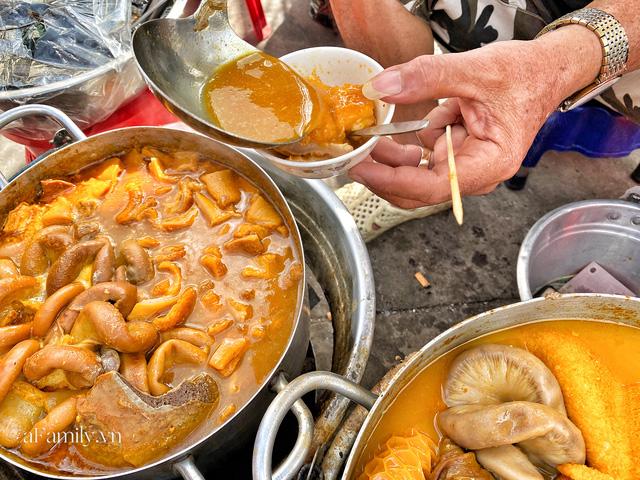 Hàng phá lấu 30 năm nổi tiếng đắt nhất Sài Gòn ở khu chợ Lớn nay đã vượt mốc hơn nửa triệu/kg, vẫn độc quyền mùi vị và khách tứ phương đều tìm tới ăn - Ảnh 4.