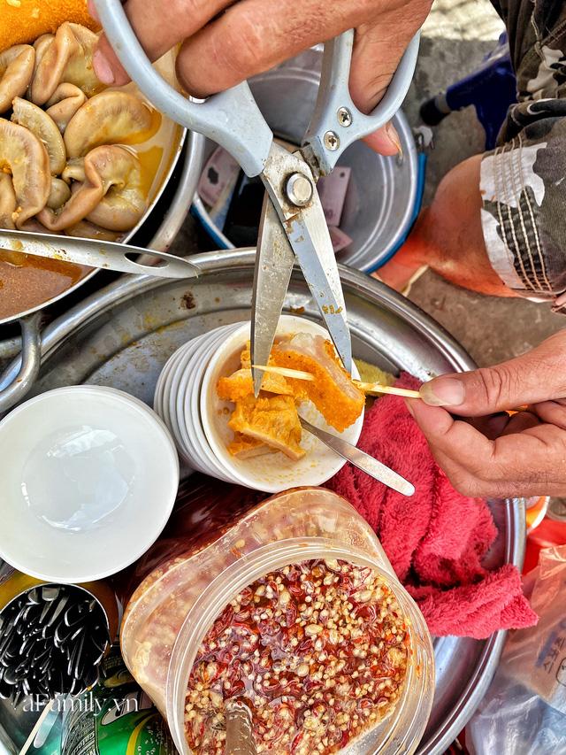 Hàng phá lấu 30 năm nổi tiếng đắt nhất Sài Gòn ở khu chợ Lớn nay đã vượt mốc hơn nửa triệu/kg, vẫn độc quyền mùi vị và khách tứ phương đều tìm tới ăn - Ảnh 7.