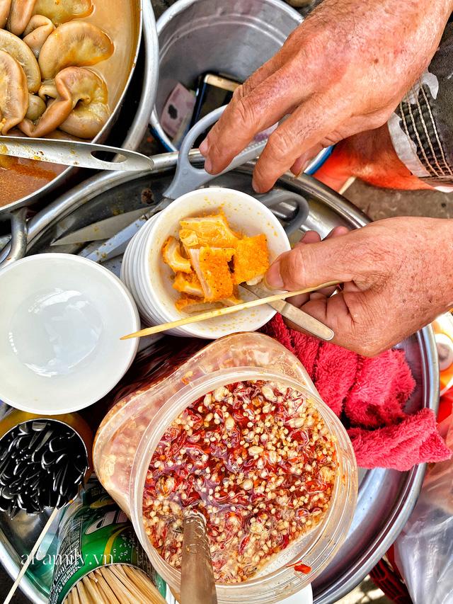 Hàng phá lấu 30 năm nổi tiếng đắt nhất Sài Gòn ở khu chợ Lớn nay đã vượt mốc hơn nửa triệu/kg, vẫn độc quyền mùi vị và khách tứ phương đều tìm tới ăn - Ảnh 8.