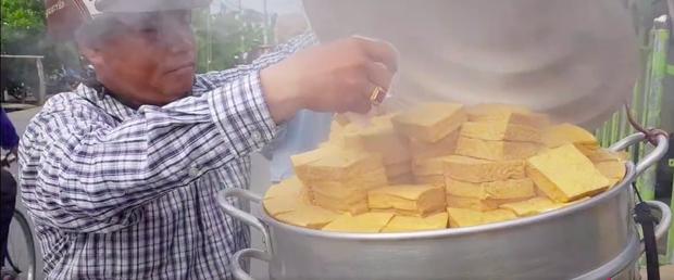 Xem TikTok mới biết nước ta có món đậu hũ hấp độc lạ đến vậy, mỗi miếng bán với giá 5k vẫn bị nhiều người chê mắc - Ảnh 2.