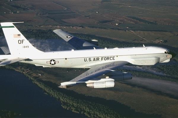 Trung Quốc sẽ chiếm quyền kiểm soát máy bay trinh sát Mỹ ở Biển Đông? - ảnh 1