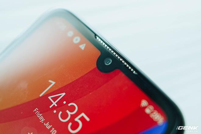 Trên tay Vsmart Star 4: Chiếc điện thoại có thể gây bối rối từ VinSmart - Ảnh 4.