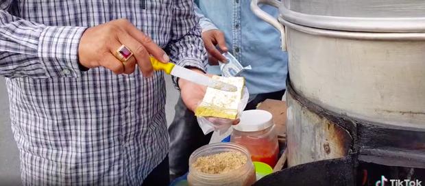 Xem TikTok mới biết nước ta có món đậu hũ hấp độc lạ đến vậy, mỗi miếng bán với giá 5k vẫn bị chê đắt - ảnh 4