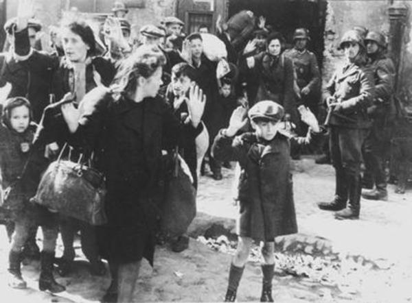 Người phụ nữ giấu hàng nghìn đứa trẻ trong vali,  quan tài, đến khi bị bắt mới vỡ lẽ ra đó chính là hành động cứu mạng các em - Ảnh 6.