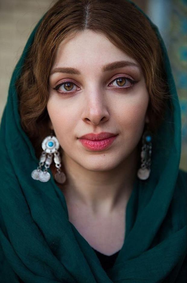 Nhiếp ảnh gia ngao du thế giới ghi lại những hình ảnh đẹp đến nức lòng của phụ nữ khắp năm châu bốn bể - Ảnh 6.