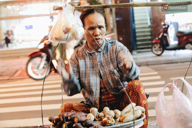 Có một chợ đêm Bến Thành buồn đến nao lòng: Khách Việt còn không có chứ nói chi khách nước ngoài - Ảnh 9.