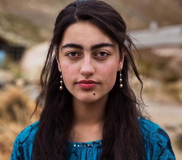 Nhiếp ảnh gia ngao du thế giới ghi lại những hình ảnh đẹp đến nức lòng của phụ nữ khắp năm châu bốn bể - Ảnh 10.