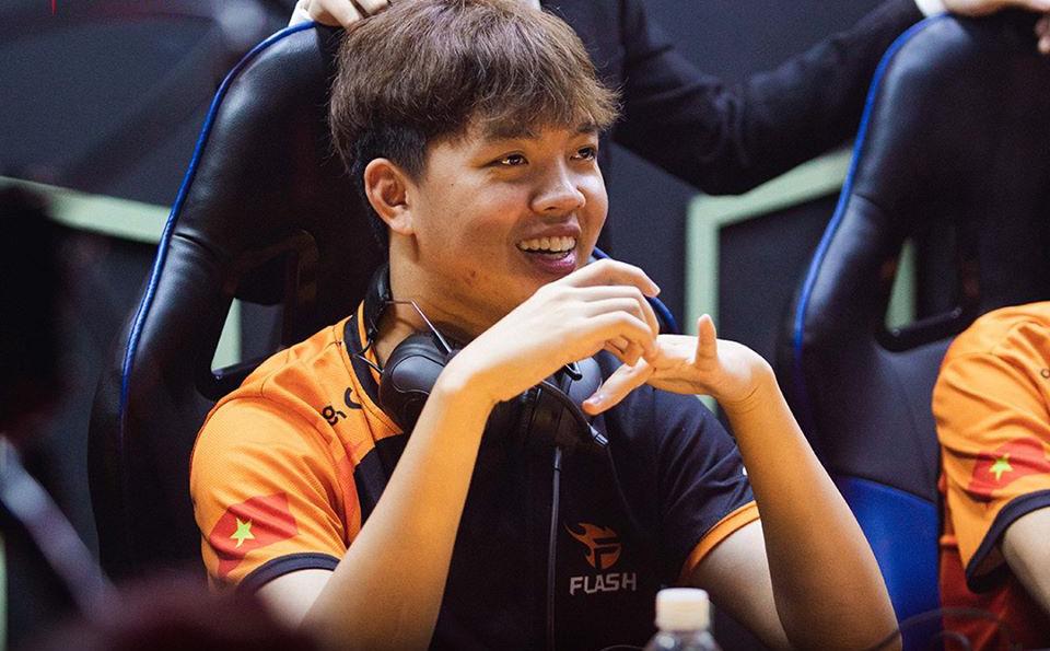 Đánh bại hiện tượng từ Thái Lan, nhà vô địch Việt Nam đặt một chân vào tứ kết
