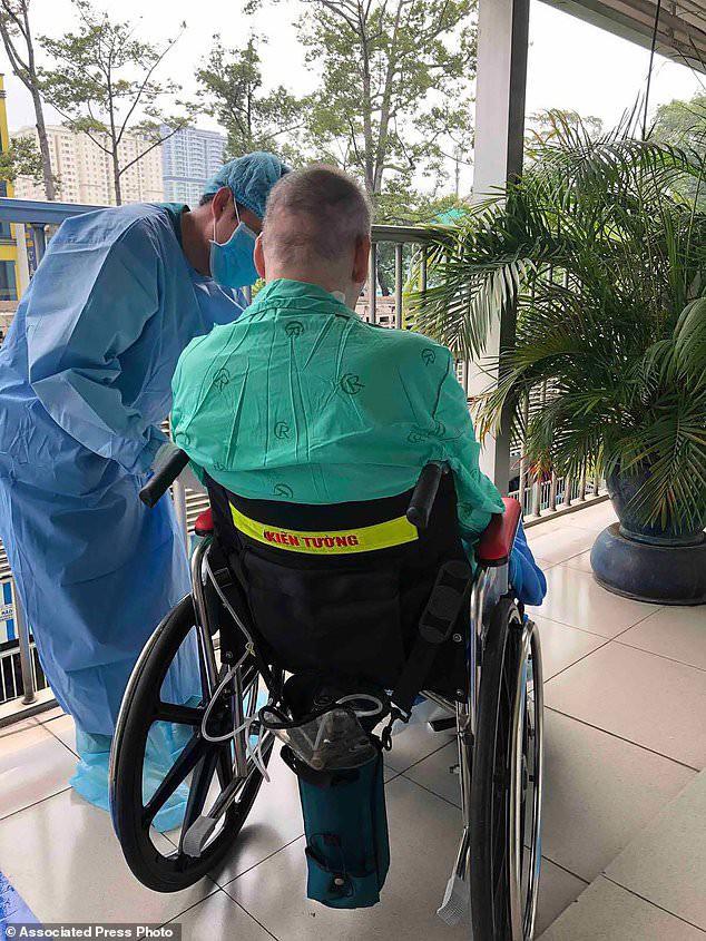 Báo quốc tế đưa tin bệnh nhân 91 xuất viện, bày tỏ ngưỡng mộ Việt Nam - Ảnh 2.