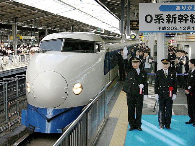 Cùng nhìn lại lịch sử hoạt động của tàu siêu tốc Shinkansen, niềm tự hào Nhật Bản với phiên bản mới nhất có thể chạy ngon ơ ngay cả khi động đất - Ảnh 17.