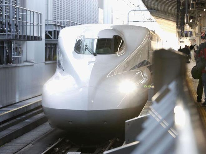 Cùng nhìn lại lịch sử hoạt động của tàu siêu tốc Shinkansen, niềm tự hào Nhật Bản với phiên bản mới nhất có thể chạy ngon ơ ngay cả khi động đất - Ảnh 3.