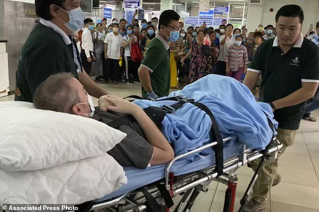Báo quốc tế đưa tin bệnh nhân 91 xuất viện, bày tỏ ngưỡng mộ Việt Nam - Ảnh 3.