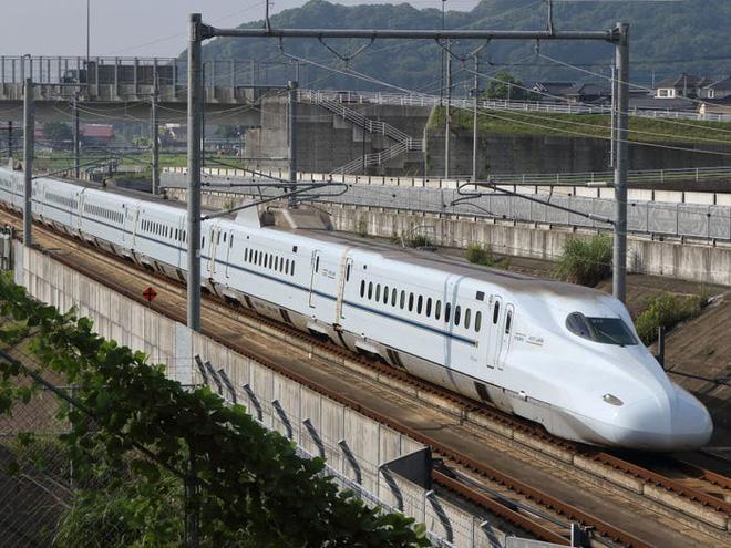 Cùng nhìn lại lịch sử hoạt động của tàu siêu tốc Shinkansen, niềm tự hào Nhật Bản với phiên bản mới nhất có thể chạy ngon ơ ngay cả khi động đất - Ảnh 27.