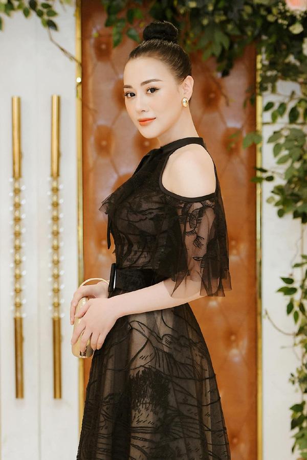Cuộc sống giàu, nhan sắc xinh đẹp của Bảo Thanh, Phương Oanh - 2 nữ diễn viên vừa tuyên bố sẽ nghỉ đóng phim  - Ảnh 9.