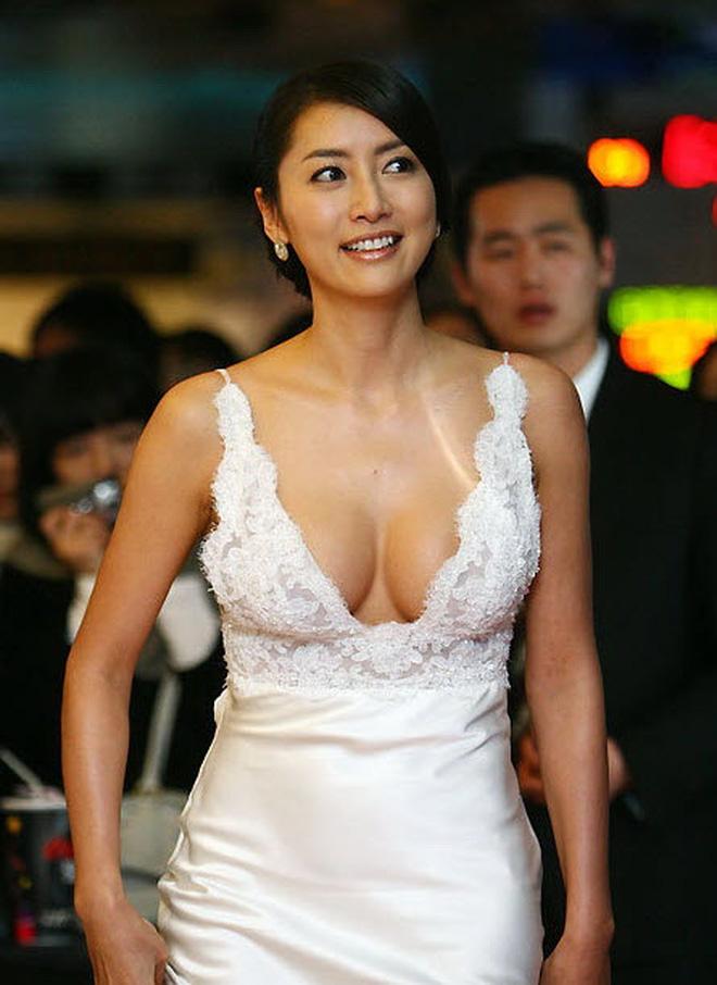 Kết cục Hoa hậu, Á hậu Hàn dính bê bối bán dâm: Tuột dốc vì tình cũ tố phục vụ 7 người/đêm, nhận 'gạch' khi cố trở lại Kbiz - ảnh 2