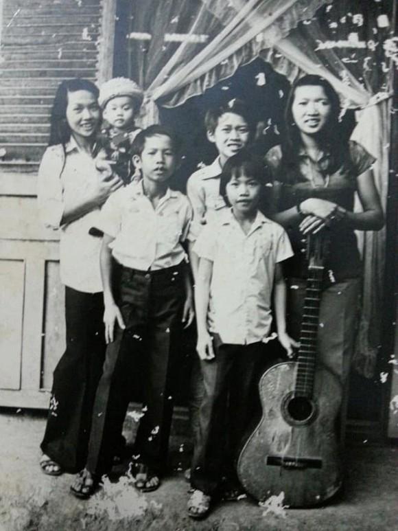 Căn nhà cũ nát và chuyện ít biết về gia đình Hoài Linh - Dương Triệu Vũ - Ảnh 4.