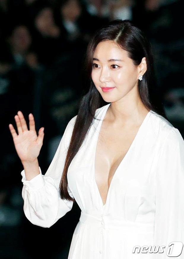 Kết cục Hoa hậu, Á hậu Hàn dính bê bối bán dâm: Tuột dốc vì tình cũ tố phục vụ 7 người/đêm, nhận 'gạch' khi cố trở lại Kbiz - ảnh 10