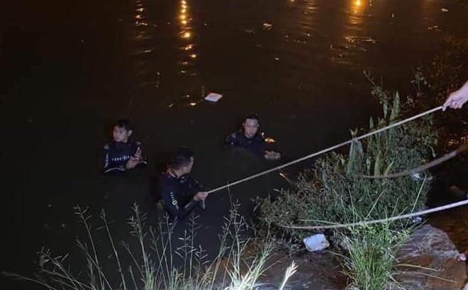 2 người phụ nữ cãi nhau rồi nhảy xuống kênh Tàu Hủ ở Sài Gòn, 1 người tử vong