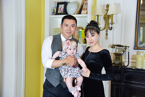 Tài tử Thiên long bát bộ: Bỏ vợ theo tình trẻ, nợ nần chồng chất vẫn sống xa hoa tuổi U50 - Ảnh 4.