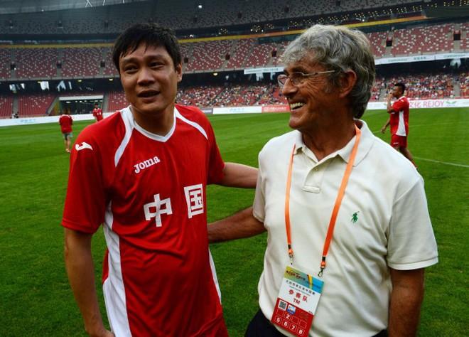 Thua tủi hổ Việt Nam, chuyên gia bóng đá Trung Quốc vẫn tự tin: Khác gì món đậu phụ thối! - Ảnh 1.