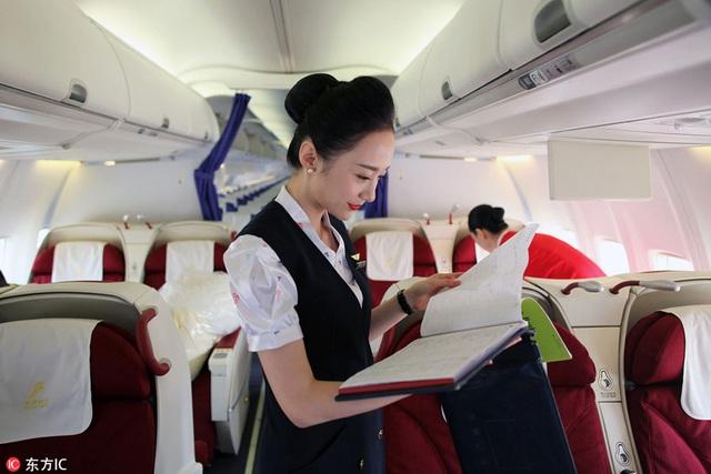 Góc khuất ít ai biết của nghề tiếp viên hàng không: Bị quấy rối tình dục, cơ thể lão hóa nhanh và những cuộc tình chớp nhoáng - Ảnh 3.