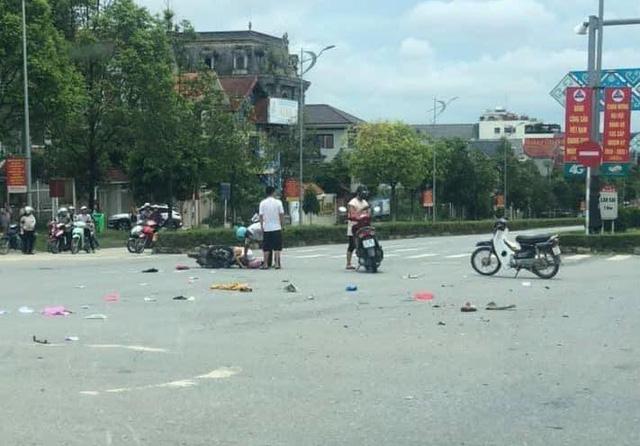 Khởi tố bị can nữ cán bộ Thanh tra tỉnh Lào Cai lái ô tô vượt đèn đỏ đâm chết người - Ảnh 2.