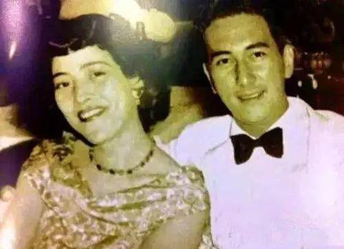 Từng xác nhận vợ đầu tiên là người mình yêu nhất nhưng tại sao Vua sòng bài Macau không chôn cất bên cạnh mộ bà cả? - Ảnh 1.