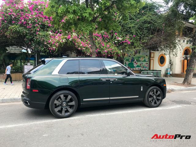 Rolls-Royce Cullinan của đại gia Hà Nội trở thành độc nhất Việt Nam nhờ hai chi tiết - Ảnh 4.