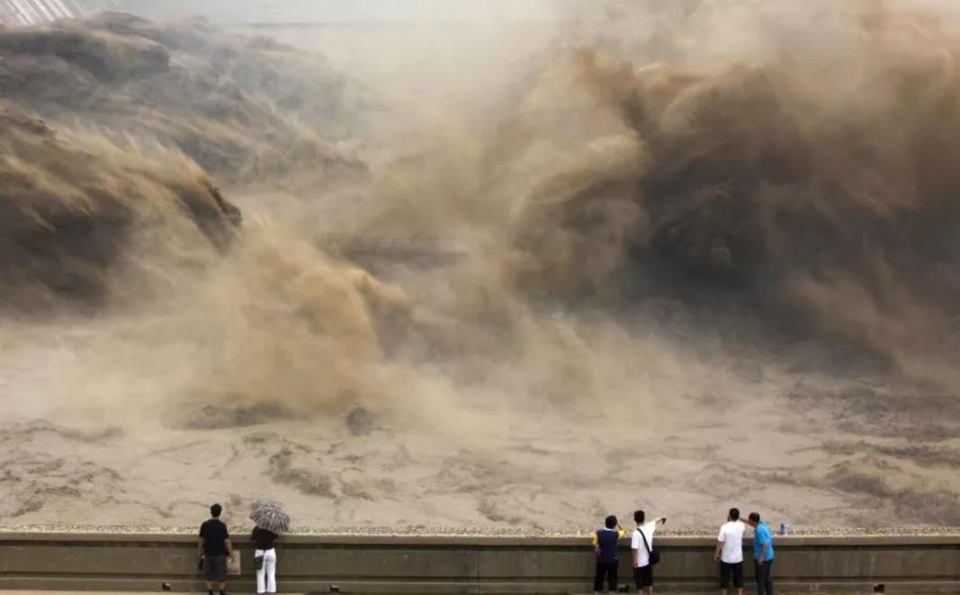 Trận lũ tàn khốc chôn vùi thành cổ Trung Quốc, giết gần 300.000 người bên trong tường thành