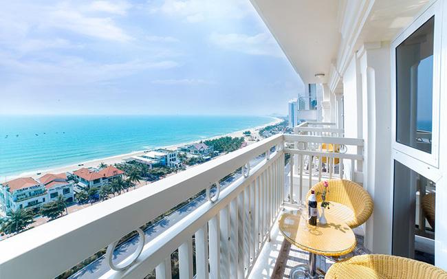 Pha mua phòng khách sạn đi vào lòng người: Đặt căn view biển giá hợp lý nhưng gặp ngay cô bán tour tiết kiệm cho ngắm đại dương theo kiểu lọt qua khe - Ảnh 2.