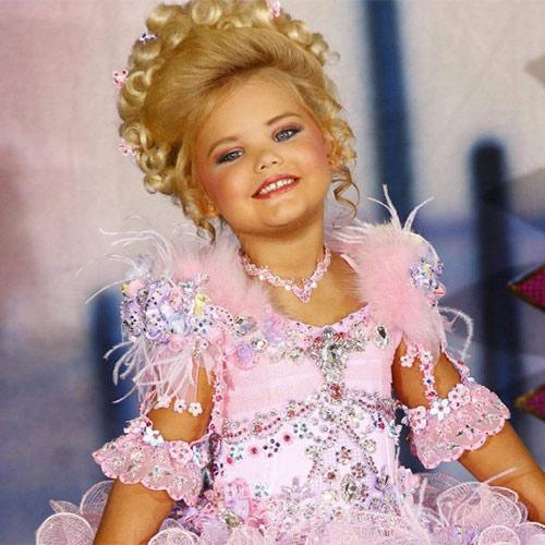 Hoa hậu nhí nước Mỹ bị chín ép một thời: Tiêm botox và ăn kiêng mỗi ngày, sau 9 năm từ nhan sắc đến cuộc sống đều gây bất ngờ - Ảnh 3.