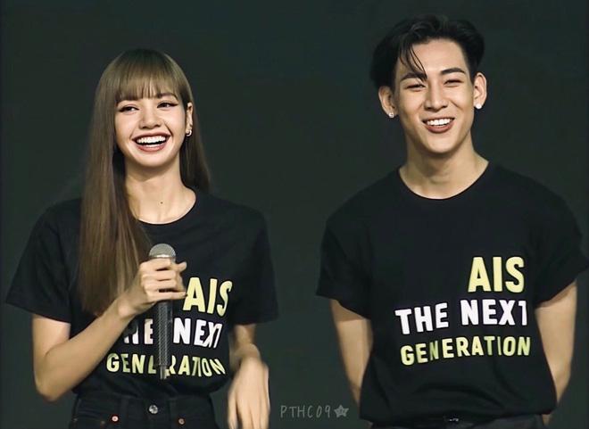 Màn dậy thì thành công của cặp bạn thân idol Thái hot nhất Kpop: Lisa lột xác, Bambam không cần gọi cô bạn là chị nữa rồi - Ảnh 22.