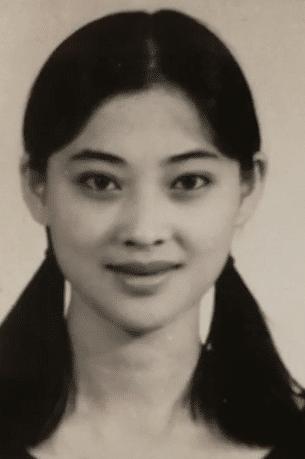 Soi ảnh thẻ thời mới chân ướt chân ráo vào nghề của loạt mỹ nhân Hoa ngữ: Chương Tử Di vẫn vậy, Triệu Lệ Dĩnh lại như cô thôn nữ - Ảnh 5.