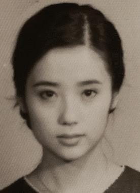 Soi ảnh thẻ thời mới chân ướt chân ráo vào nghề của loạt mỹ nhân Hoa ngữ: Chương Tử Di vẫn vậy, Triệu Lệ Dĩnh lại như cô thôn nữ - Ảnh 7.