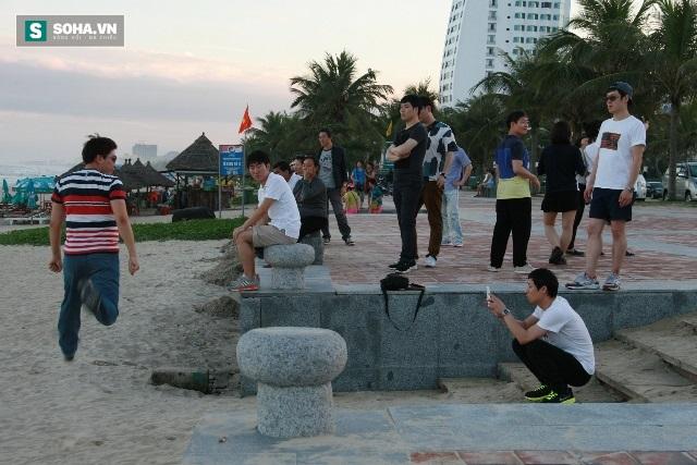 Nhóm người Trung Quốc chạy tán loạn khi bị kiểm tra: Đang được cách ly y tế, có 2 người bị sốt - Ảnh 2.