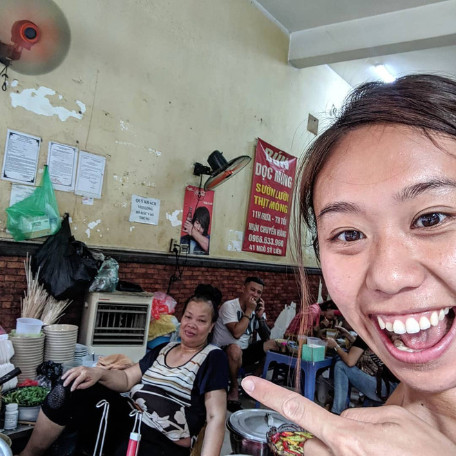 """3 hàng """"bún chửi"""" đình đám nhất Việt Nam: Lúc nào cũng đông nghẹt khách tìm đến vì tò mò, đồ ăn thuộc dạng ngon nức tiếng - Ảnh 4."""